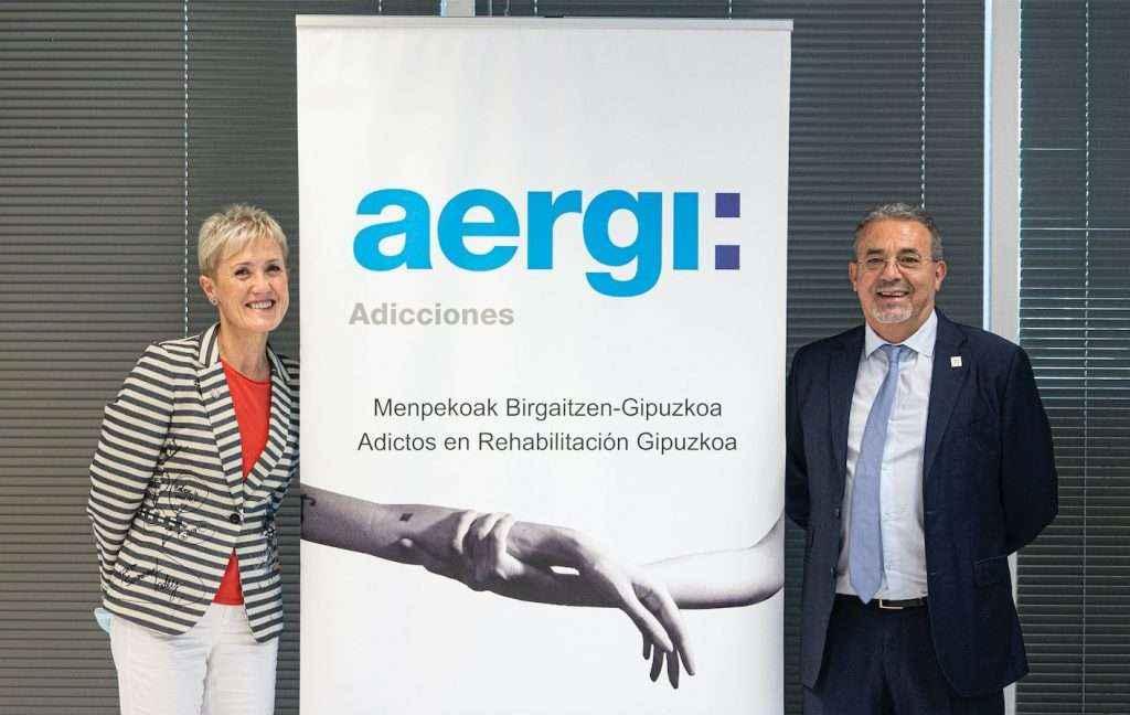El Colegio Oficial de Enfermería de Gipuzkoa recibe la Insignia de Oro de AERGI