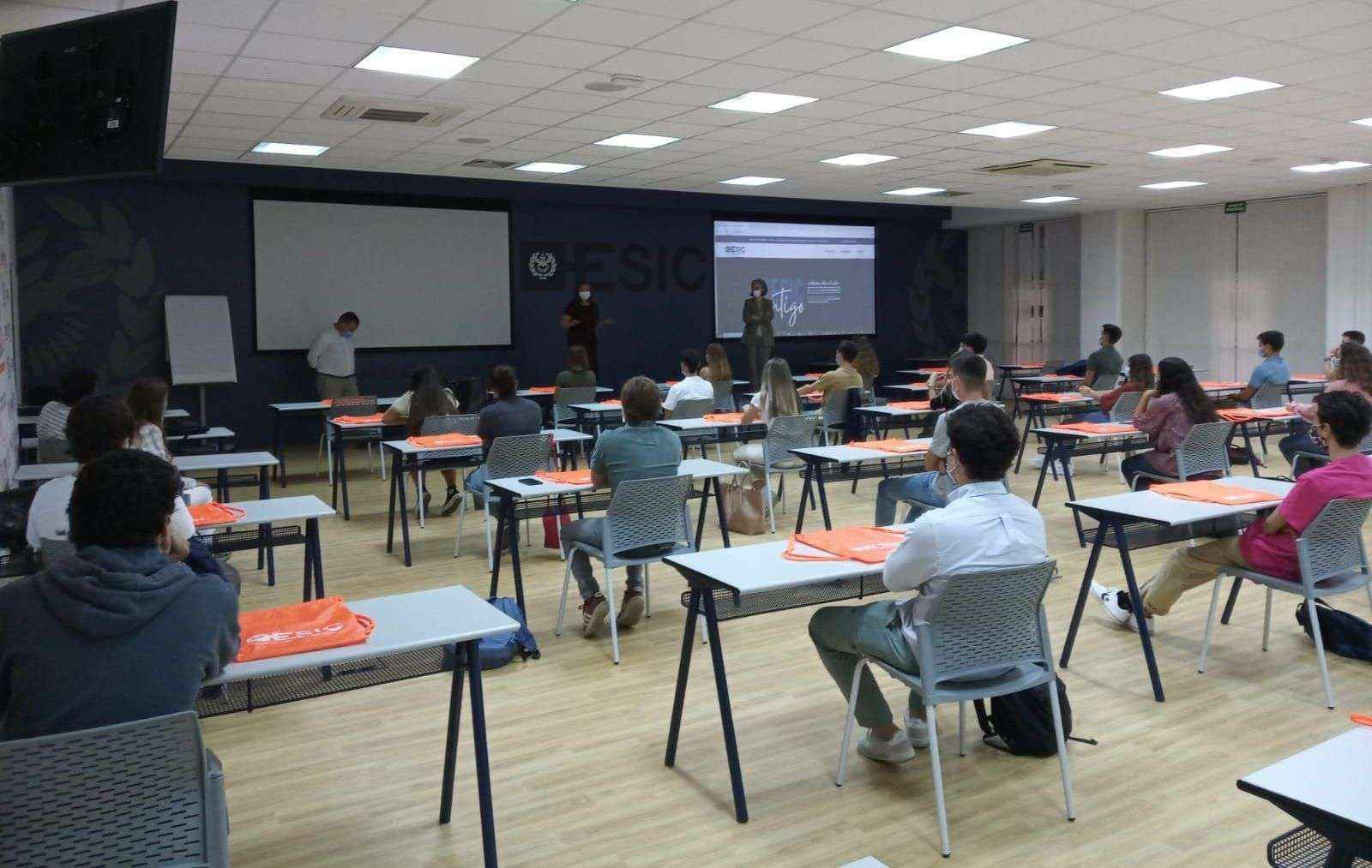 ESIC Sevilla comienza el curso con normalidad y un 95% de plazas cubiertas en el área universitaria