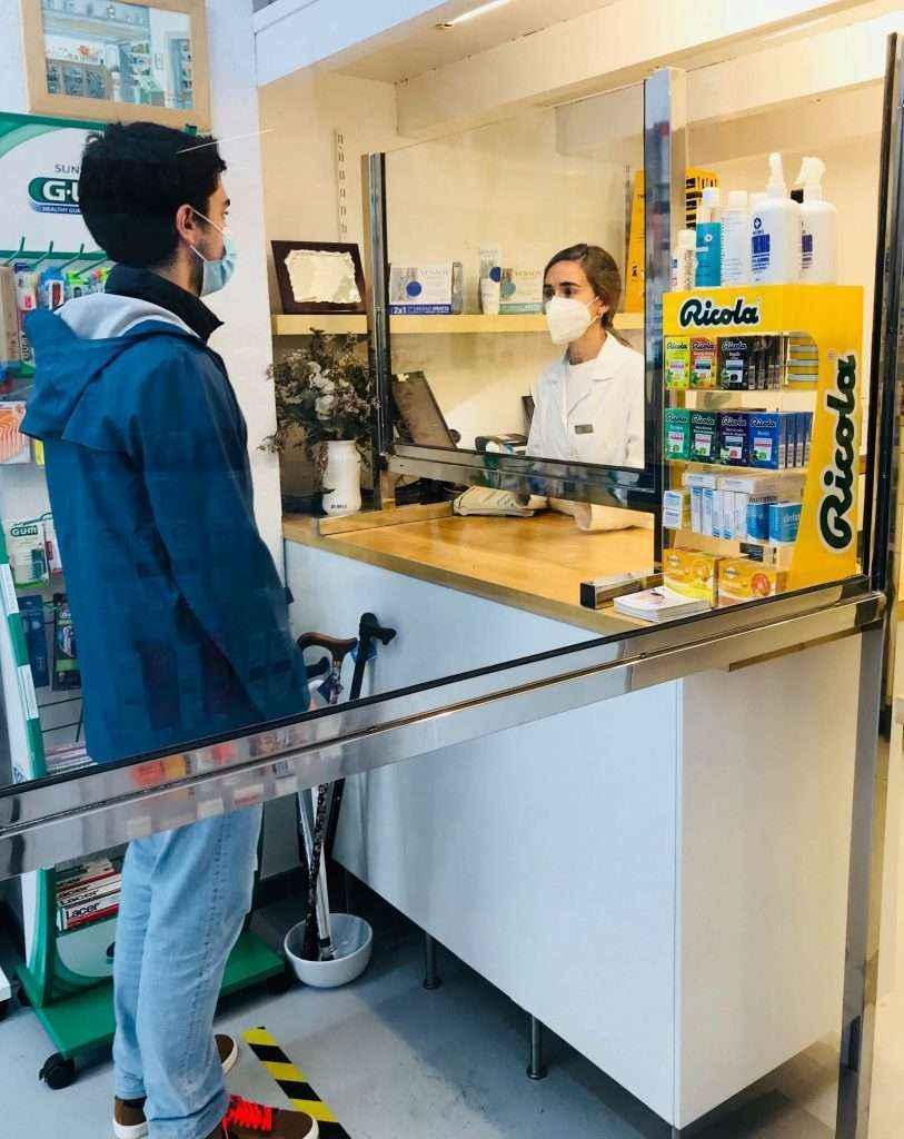 Farmacéuticos guipuzcoanos se ofrecen a colaborar en estrategias de prevención y detección de la COVID-19
