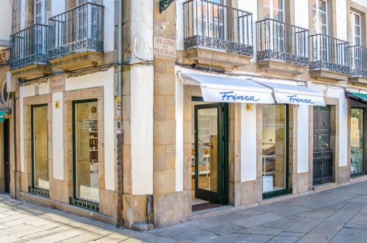 """Frinsa abre nueva tienda """"La Conservera"""" en el casco histórico de Santiago de Compostela"""