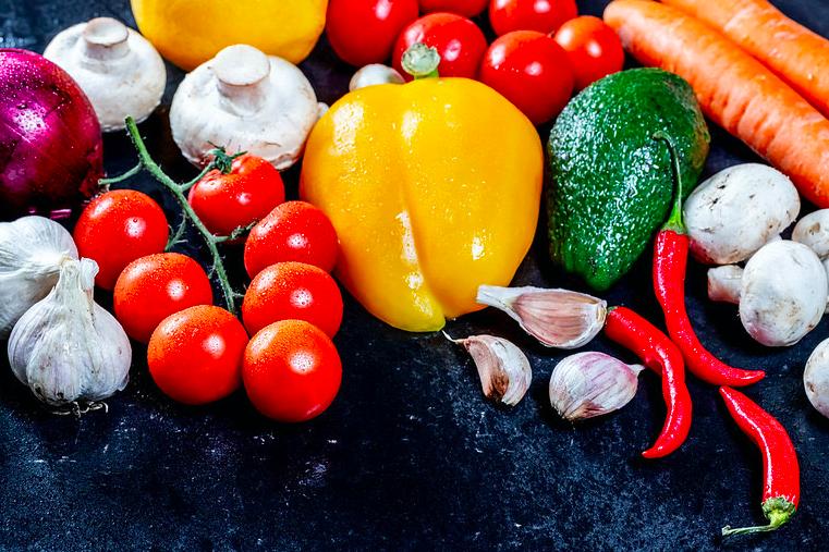 Teca Sábat presenta alimentos que ayudan a conseguir una vuelta a la normalidad de manera sana