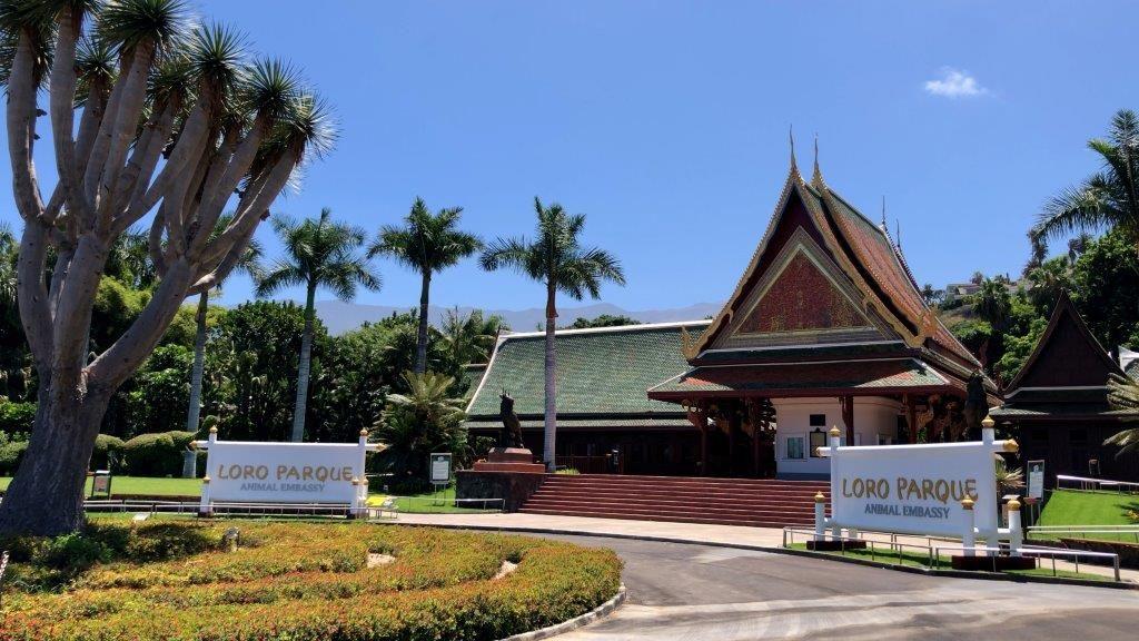 """Loro Parque y Siam Park reciben los certificados """"Biosphere Certified Parks"""" y """"Animal Embassy"""""""